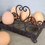 11265 Heart Antique Brown Metal Egg Holder a