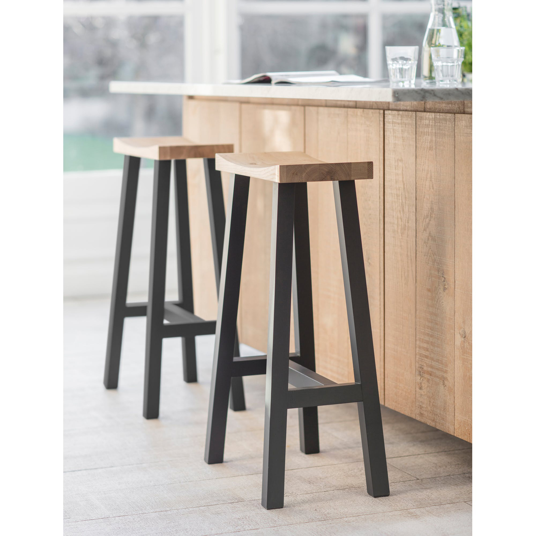Picture of: Contemporary Black Oak Breakfast Bar Stool Interior Flair