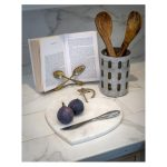 16SS18 Natural White Marble Heart Chopping Board